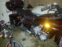 Honda goldwing for sell, runs good just needs