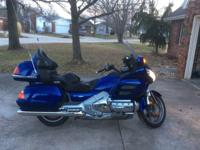 1800 Goldwing in excellent condition. Only 19,200