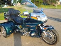 1996 Honda Goldwing Trike with a 2001 california side