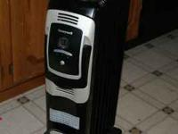 Honeywell 7 Fin Oil Filled Radiator Heater with digital