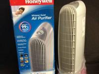 Honywell oscillating air Purifer new in the box and