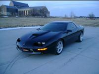 wanted...1996 chevy z28 ss camaro oem hood/w center ram
