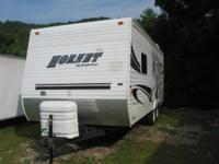 2005 HORNET 21 FL, FOR SALE SLEEPS 4. SEPARATE QUEEN