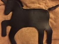 Bag in the shape of a horse. Black leather never ever