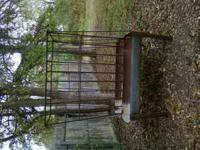 ONE HORSE FEEDER FOR SALE CALL OR TEXT  Location: