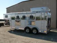 This trailer is a BEAUTIFUL 2002 4 star 3 horse