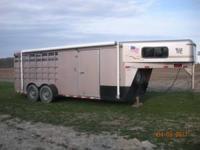 1999 Travalong Horse-Livestock trailer. Gooseneck 3