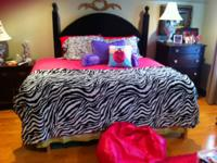 Queen Hot pink Comforter with Zebra Throw/Quilt from
