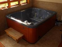 5-6 person Emerald hot tub made use of 3 years
