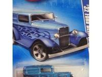 Hot Wheels 100% Custom Classic Trucks 2 Car Set '32