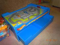 HOT WHEELS solid wood childs play table. (table approx