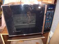 HOTPOINT MICROWAVE LARGE CAPACITY HOTPOINT WITH