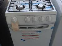 FUN DIMENSION WHITE, HOTPOINT ARRAY GAS OVEN FOR JUST