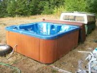 Like new self heating hot tub cant aford to run it.It
