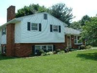 Spacious 3 bedroom, 2 bath split level located in North