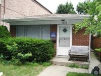 The house located at 1422 W Lill is available for rent.