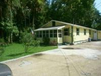 House for Sale in Astor, Florida. Asking price: 87,543
