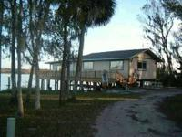 House for Sale in Astor, Florida. Asking price: 369,015