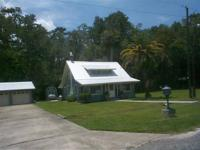 House for Sale in Astor, Florida. Asking price: 285,329