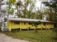 House for Sale in Astor, Florida. Asking price: 89,516