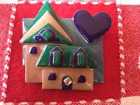 Very cute Vintage brooch/ pin House pins by Lucinda $