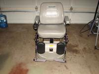 Hoveround MVP4. Excellent condition with charger, Leg