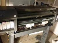 Used working HP 1055CM Designjet Plus Banner printer.