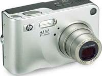 I am selling my gently used HP Photosmart R607 camera.