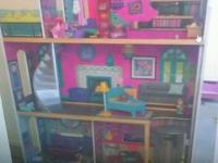 Doll house 4footer tons of fun for the kids fully