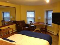 Big studio in Beacon Hill offered Now!- Big living