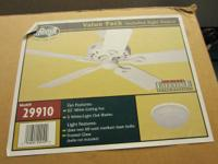 "Here we have a Hunter ceiling fan 52"". This Fan"