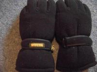 LIKE NEW CONDITION REMINGTON 40 GRAM THINSULATE GLOVES,