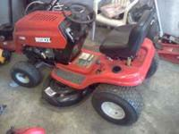 Huskee 18.5 HP Briggs & Stratton OHV engine with oil