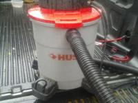 Husky 6 Gal Wet Dry Vac. Great condition, perfect