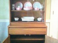 Beautiful antique hutch by Stanley (late 60's/early