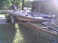 i have for sale a 17 ft duel consol hydrosport bass
