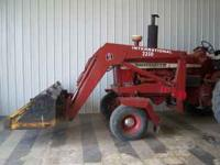 * 2350 I.H. TRACTOR LOADER * HAS FRONT QUICK-TACH