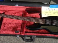 Selling my Ibanez Geo GSR 205, 5 string bass. Bass