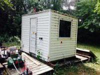 -Light weight permanent 5'x8' fish house -Vinyl siding,