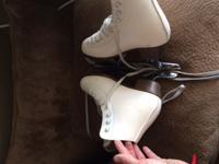 Riedell girls figure ice skates 3.5 excellent condition
