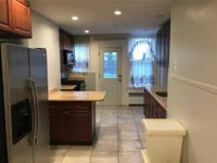 ID# *1304443 Beautifully Renovated 3 Bedroom Apartment