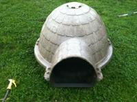 Igloo doghouse chewed a little in front but still works