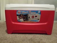 Igloo Island Breeze 48 Quart Cooler (Lava Red, 25.562 x