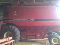 IH 1460 Combine with grain head in great condition!