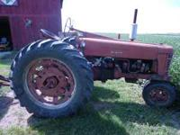 300 IH row crop good engine bad torque paint faded, tin