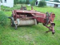 IH Kicker Baler 425 good tires and knotter $2500 ready