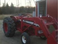 Up for sale is a nice IH 460 gas utility tractor with a
