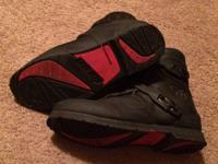 Size 11 Worn once before I sold my bike. Black in