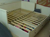 IKEA daybed in excellent condition. See pictures.  -