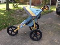 I'm selling this in step jogging stroller it's in good